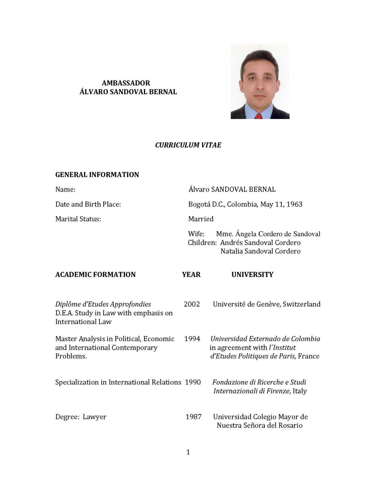 Calaméo Cv English Embajador De Colombia En Noruega